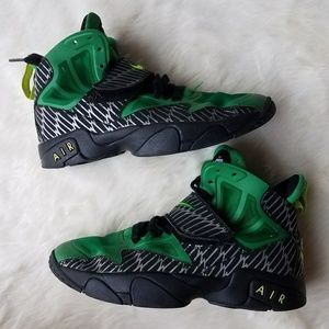 Other - Nike Air Trainer Express 2014 Oregon Ducks 5.5Y